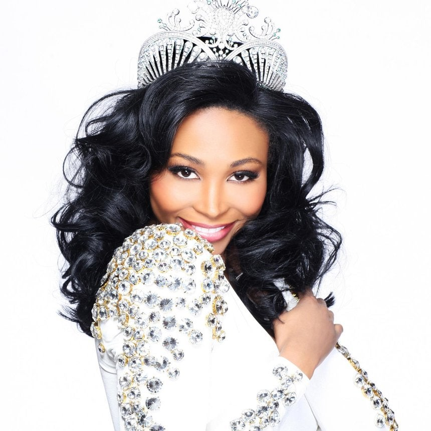 Amazing Fashion Qu0026A: Miss USA Nana Meriwether
