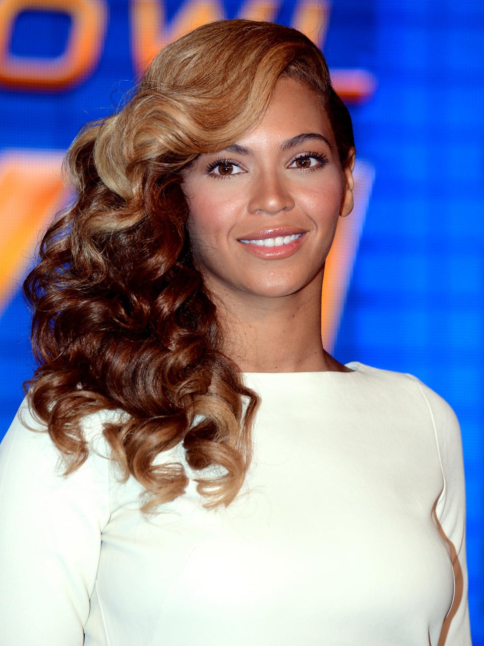 Must-See: Beyoncé Sings the National Anthem Live at NFL Press Conference