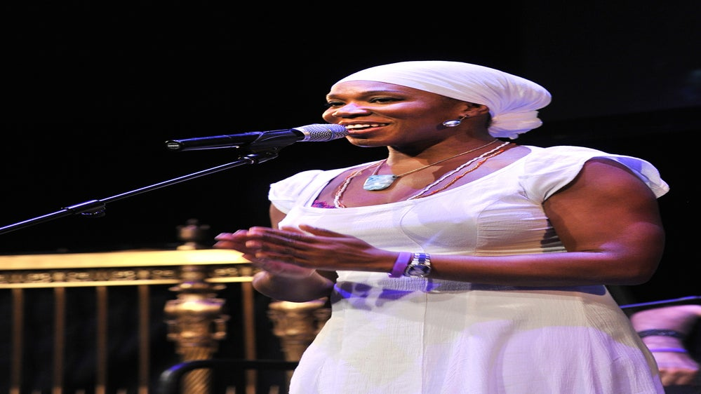 EXCLUSIVE: India Arie Talks New 'Cocoa Butter' Single, Addresses Skin-Lightening Rumors