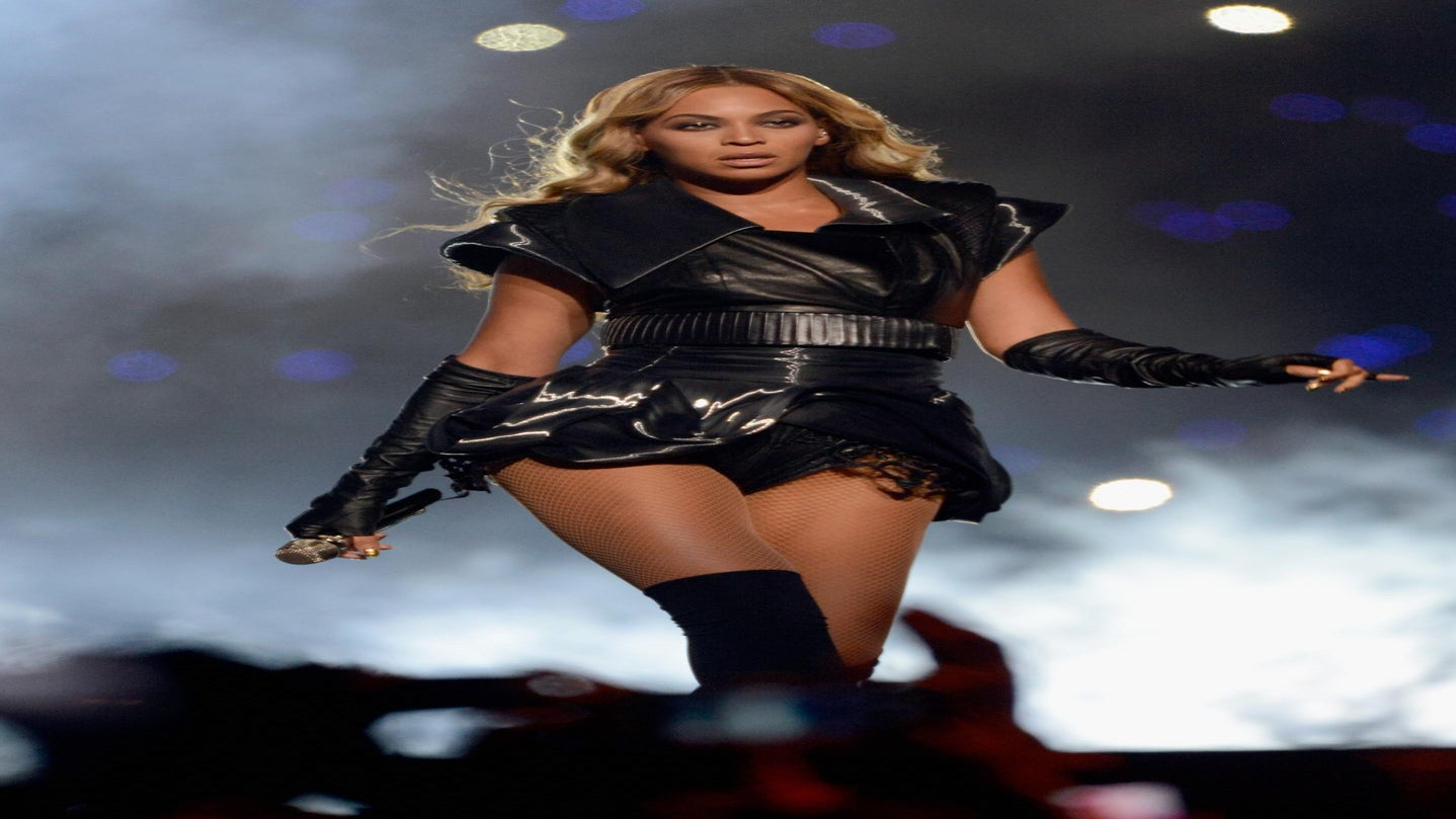 Yaaaas! Beyonce Tapped to Perform—and Serve—at Super Bowl Halftime Show