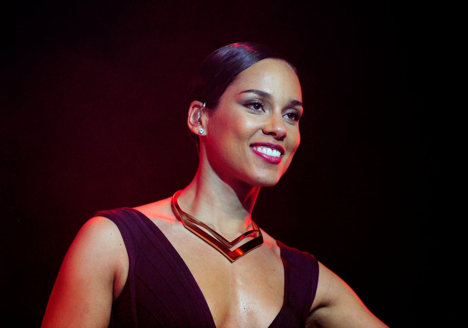 Must-See: Go Inside Alicia Keys' Private Vocal Training Session for New Tour