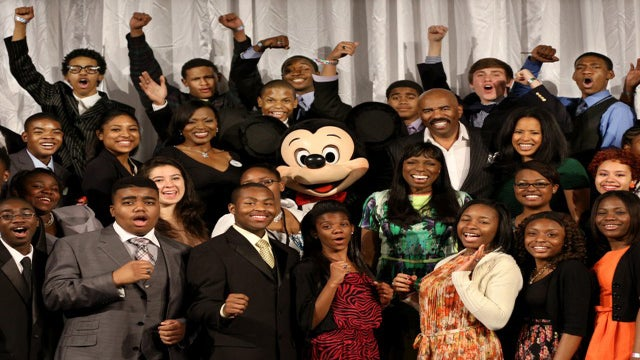 Last Chance for High Schoolers to Apply for the 2015 Disney Dreamers Academy
