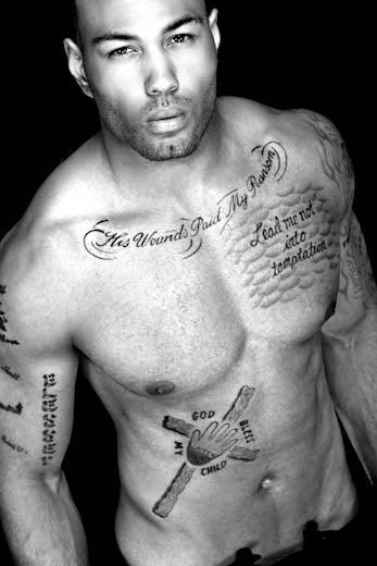 Татуированный негр ангелом нежным #6