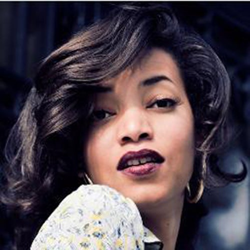 Must-See: Alice Smith Performs 'Be Easy' Exclusively for ESSENCE