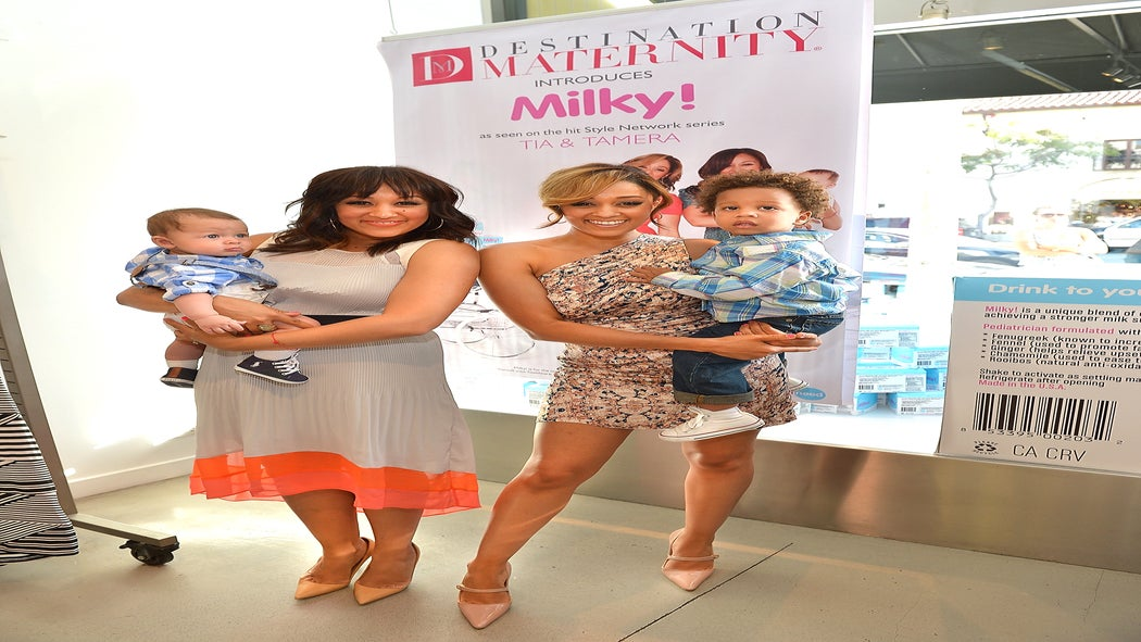 Tia and Tamera Mowry Launch Line of Herbal Tea for New Moms