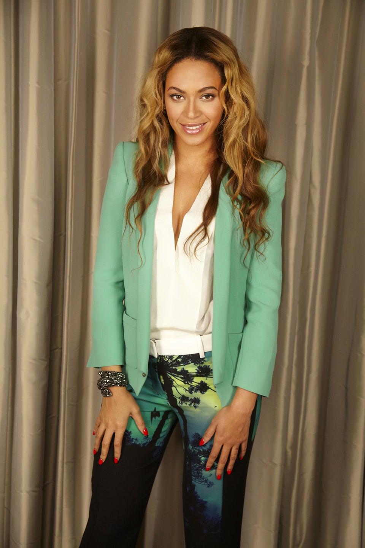 Beyoncé Performs Against Doctors' Orders