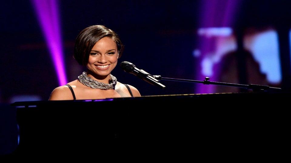 Must-See: Alicia Keys Debuts New Song on 'American Idol'