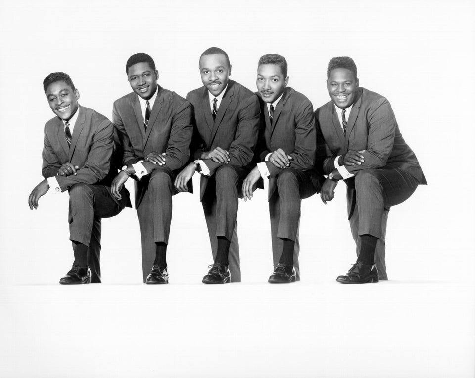 Dells Singer Marvin Junior Dead at 77