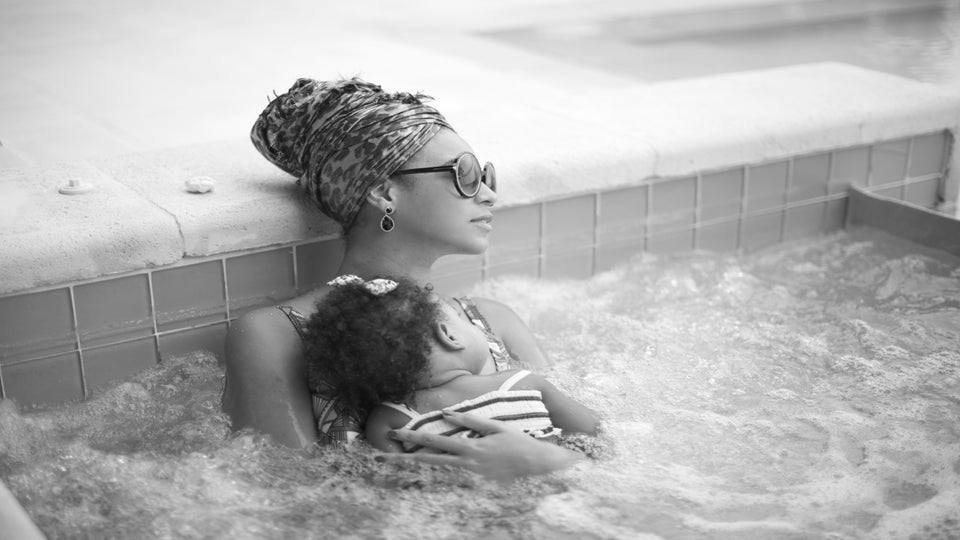 Photo Fab: Beyoncé Cradles Blue Ivy in Hot Tub