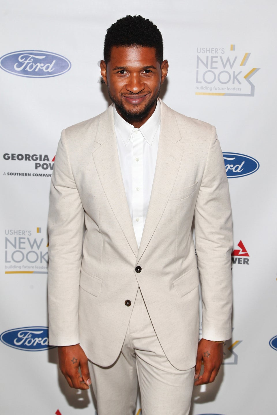 Usher Publicly Thanks Men Who Saved His Son's Life