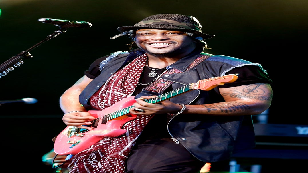 D'Angelo Cancels Three More Shows Due to 'Medical Emergency'