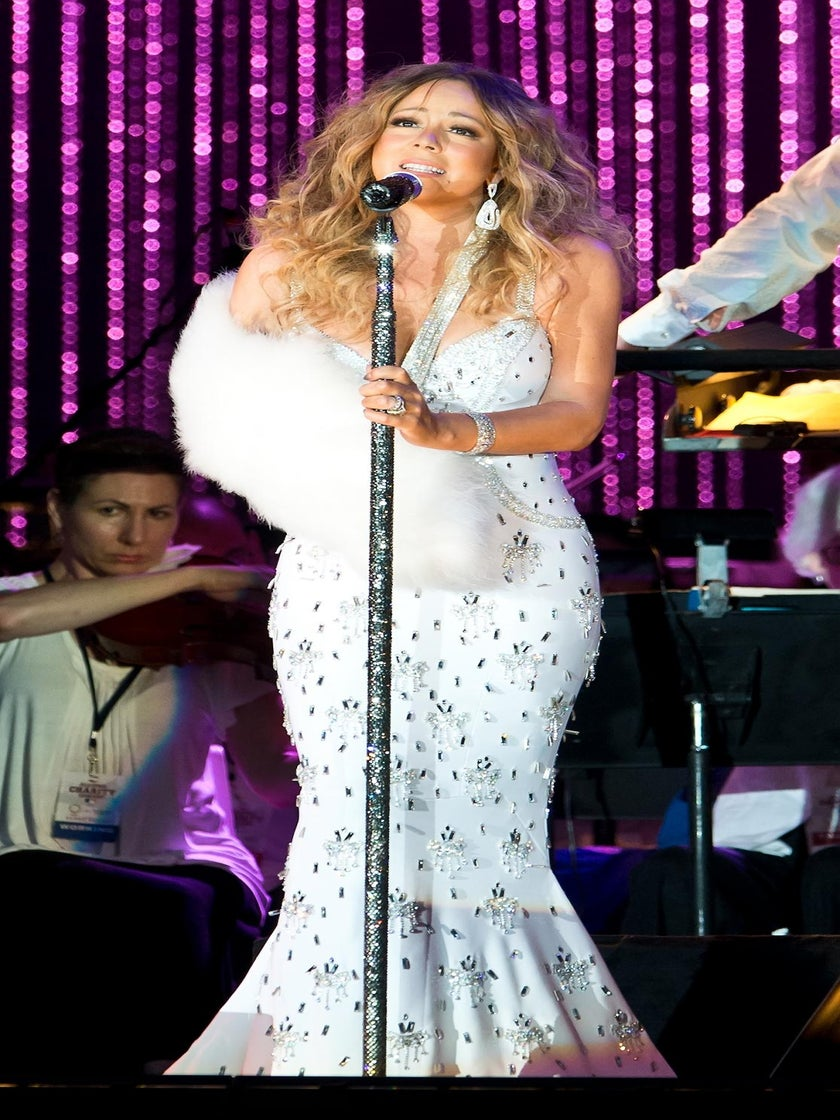 Mariah Carey Still Recovering From Shoulder Injury