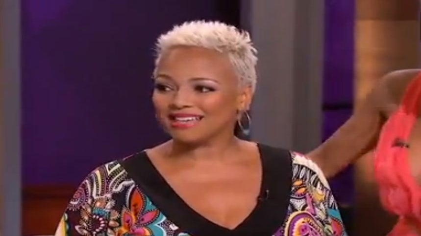Must-See: Kim Fields Reveals Pregnancy on 'The Real'