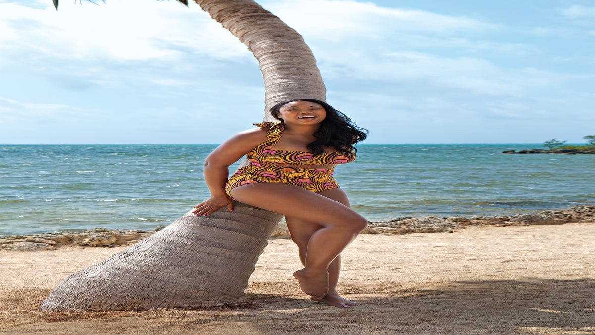 Curvy Model of the Month: Liris Crosse