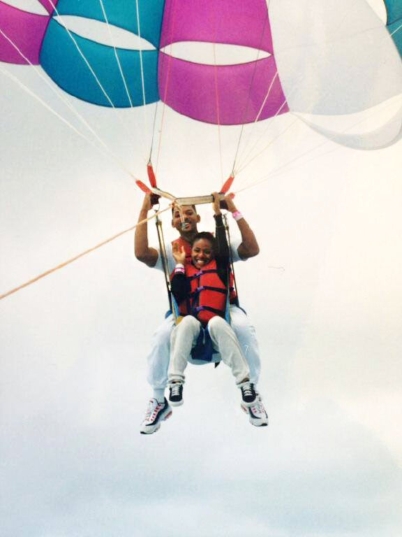 Photo Fab: Will and Jada Smith Go Parasailing