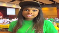 Must-See: Jennifer Hudson Gives School Supplies to Chicago Youth