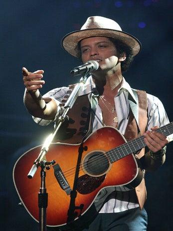 Bruno Mars to Perform at Super Bowl