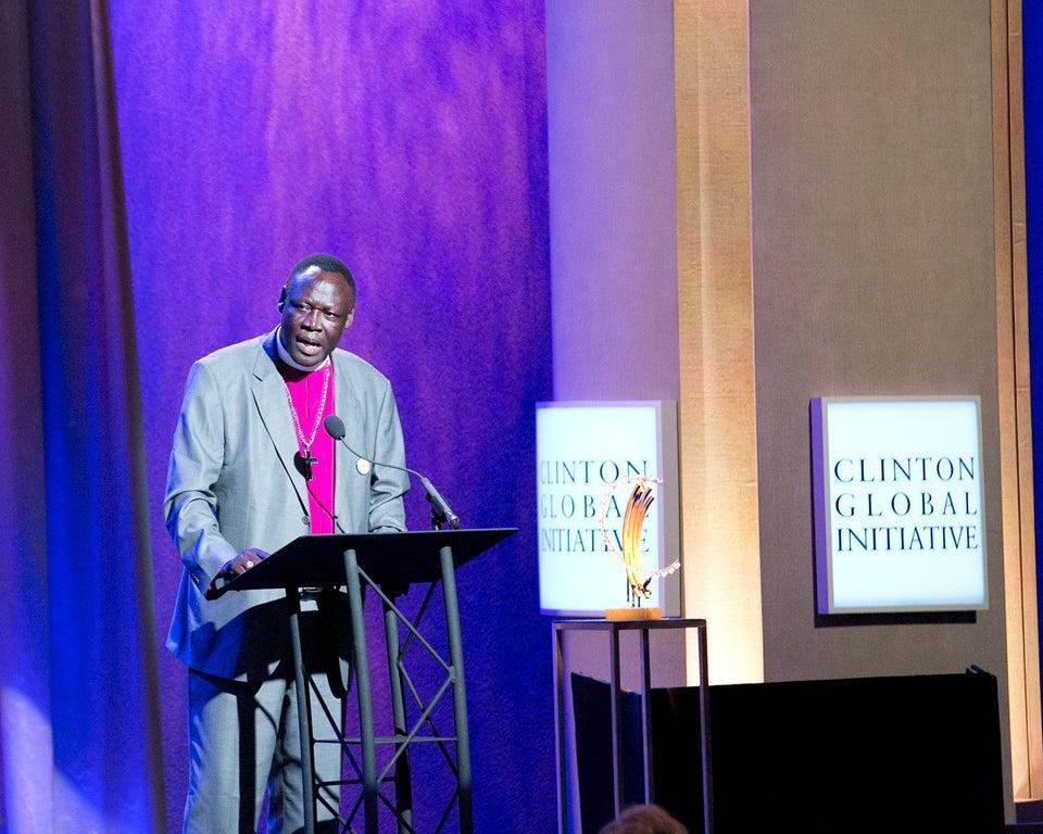 Randy Jackson, The Roots and President Bill Clinton Honor South Sudan Bishop with Humanitarian Award