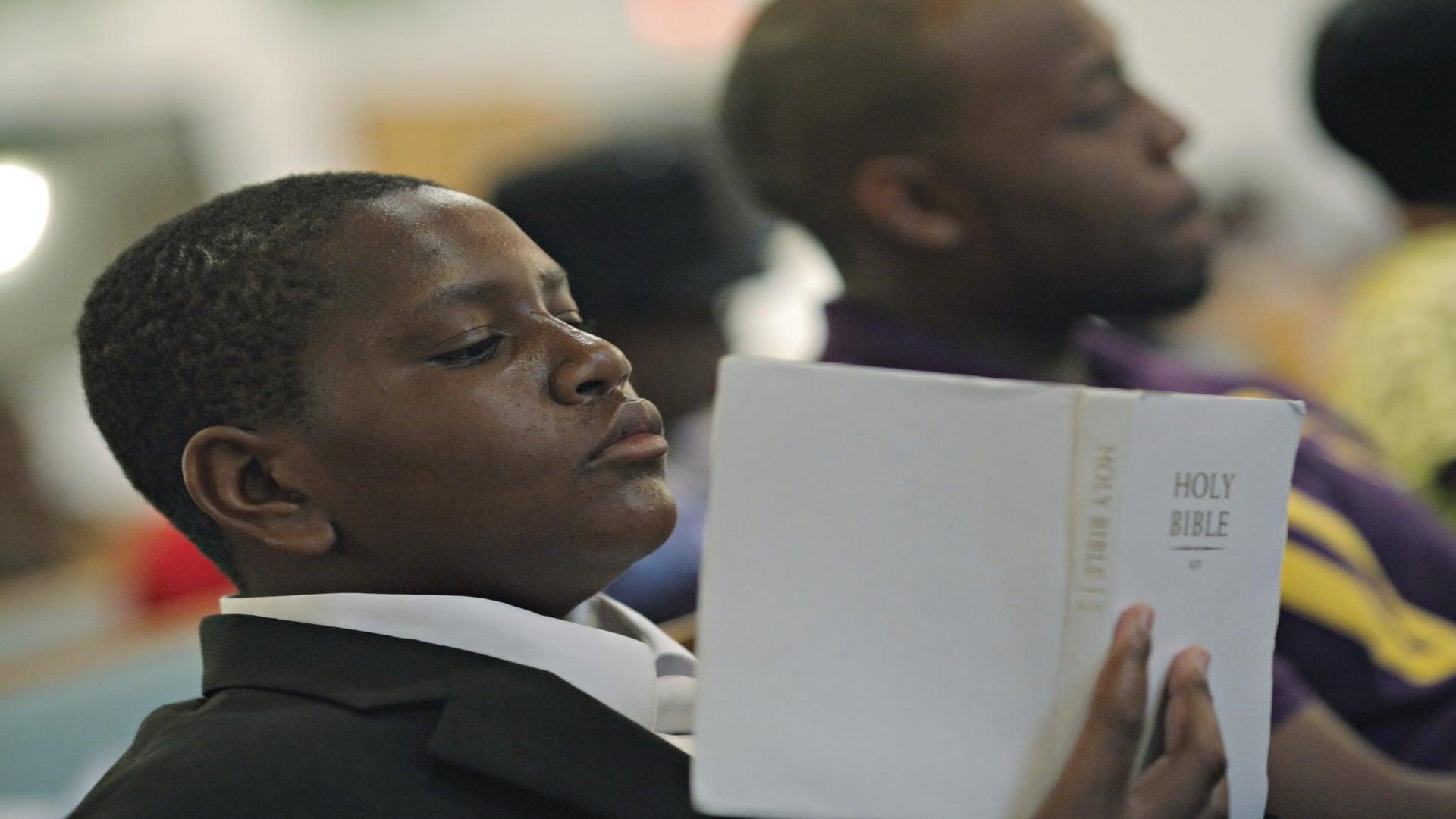 Florida Orphan Visits Church, Asks Someone to Adopt Him