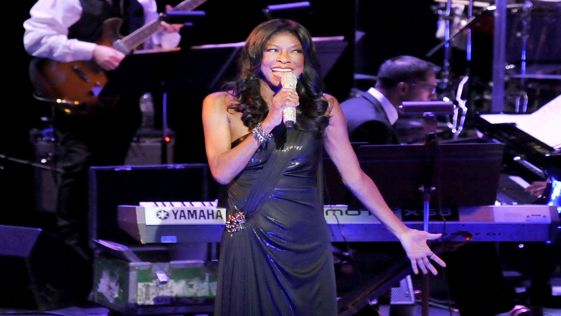 Celebrities Mourn the Death of Natalie Cole
