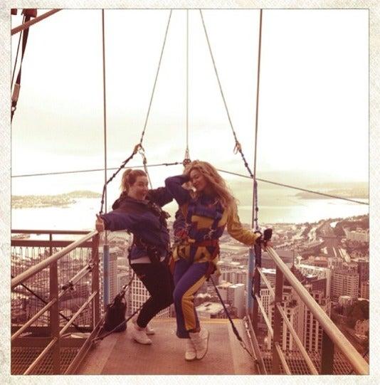 Photo Fab: Beyoncé Freefalls in New Zealand
