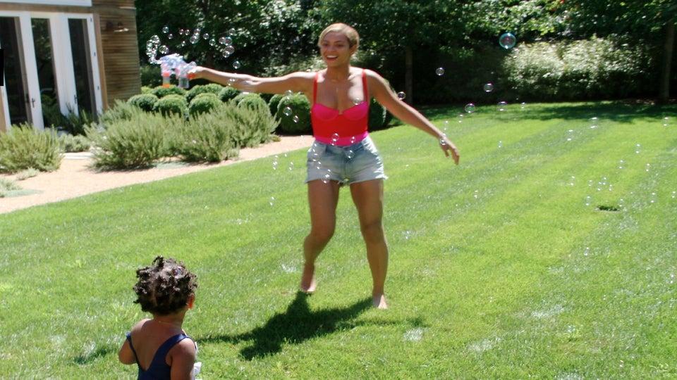 Photo Fab: Beyoncé and Blue Ivy Enjoy Family Time