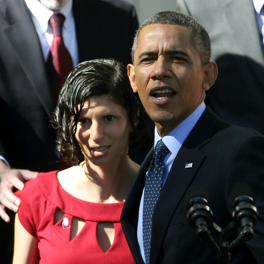 Coffee Talk: President Obama Catches Fainting Pregnant Woman