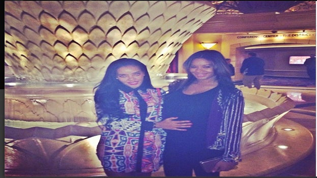 Photo Fab: Vanessa Simmons Shows Off Her Baby Bump