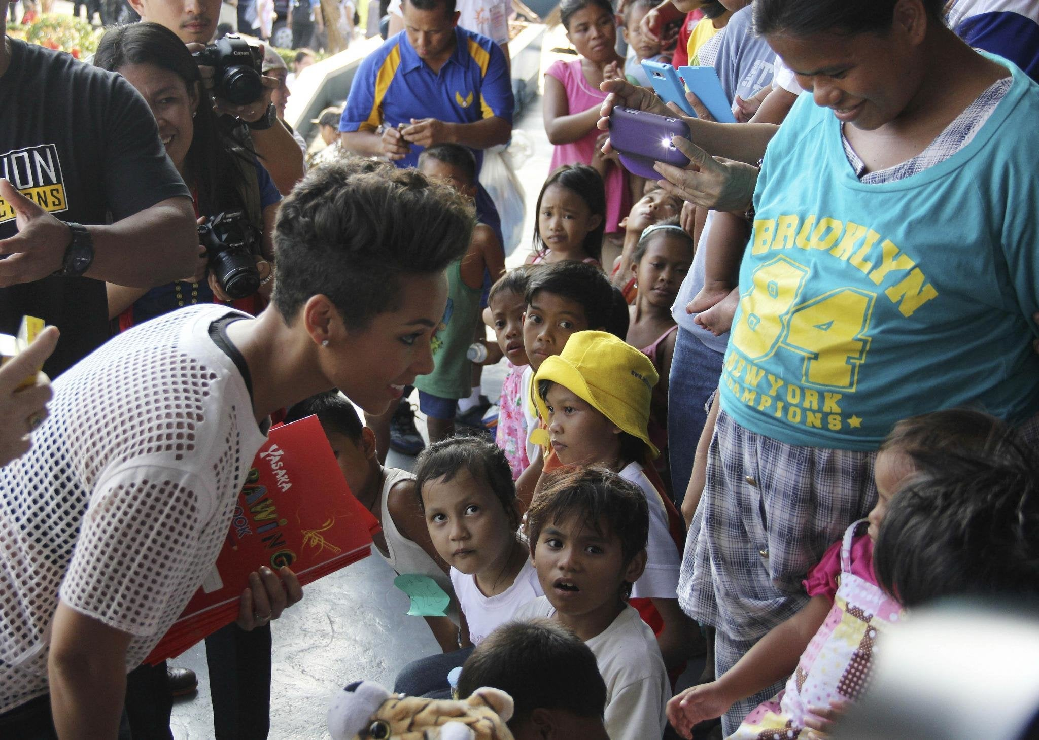 Alicia Keys Visits Typhoon Victims in Philippines