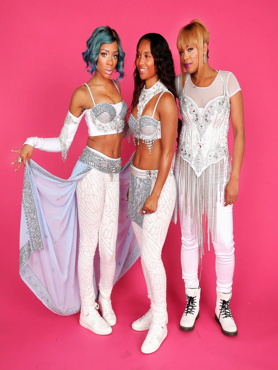 Must-See: TLC Performs 'Waterfalls' at the American Music Awards, Featuring Lil Mama