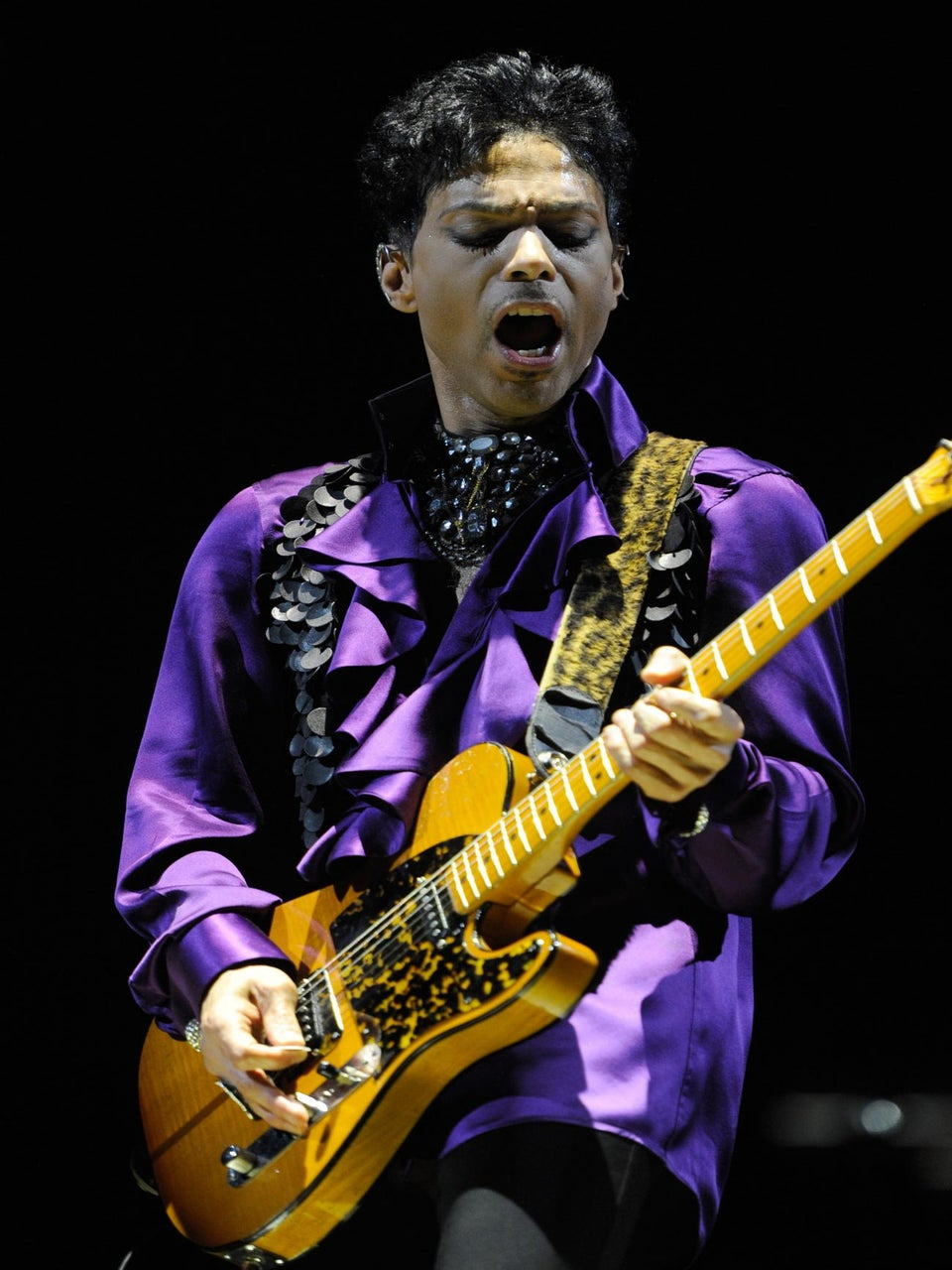 Prince Reigns With Funky Set at Mohegan Sun Arena