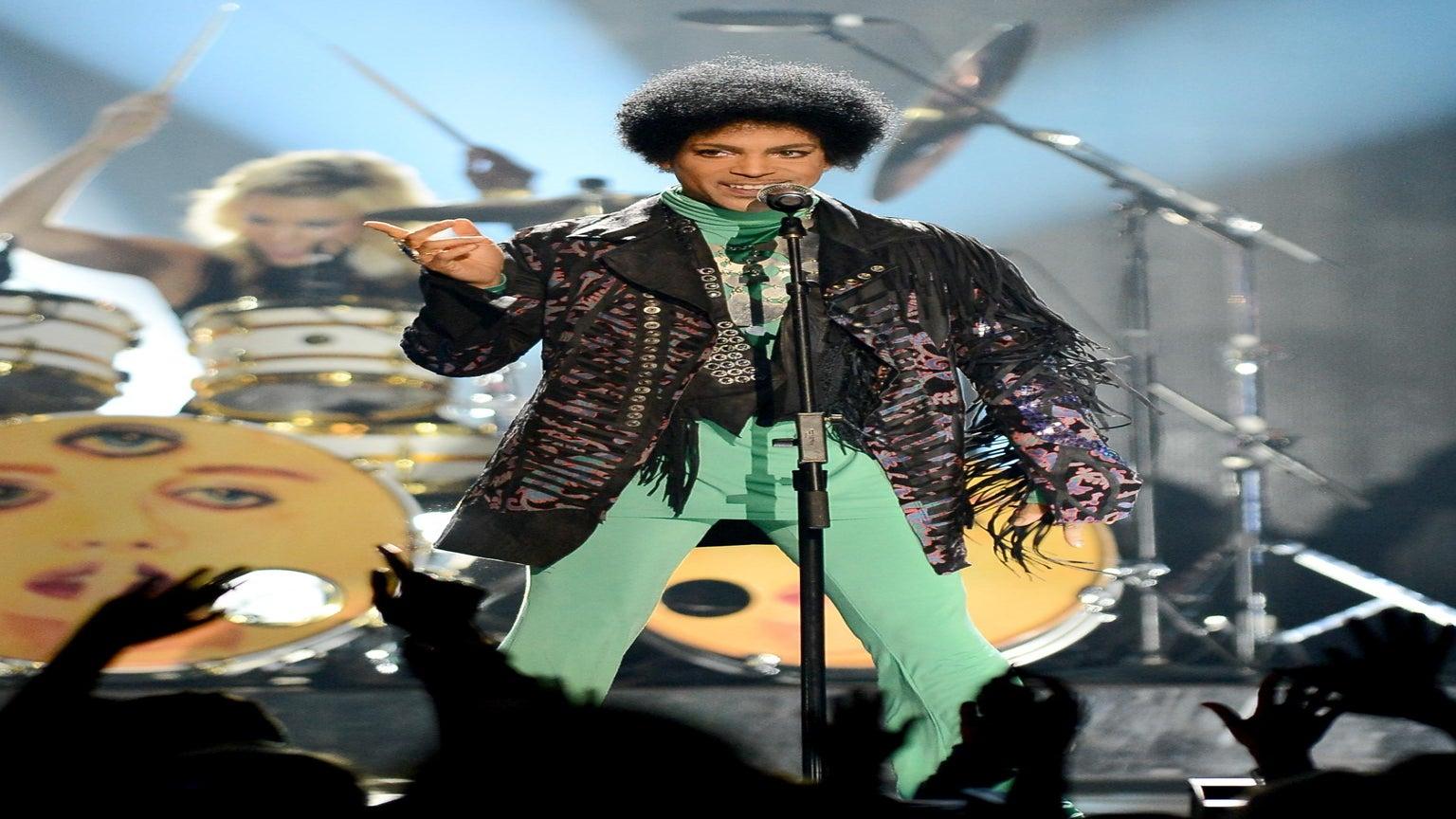 Prince to Headline 20th Anniversary ESSENCE Festival