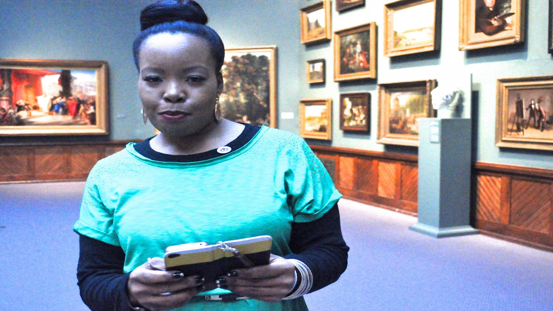 A Day in the Life of a Digital Diva: Mercedes Jones