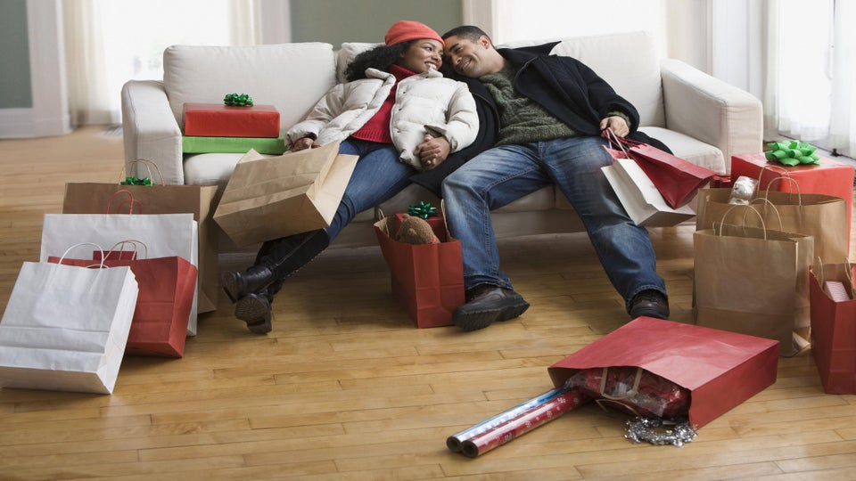 ESSENCE Poll: What Kind of Holiday Shopper Are You?
