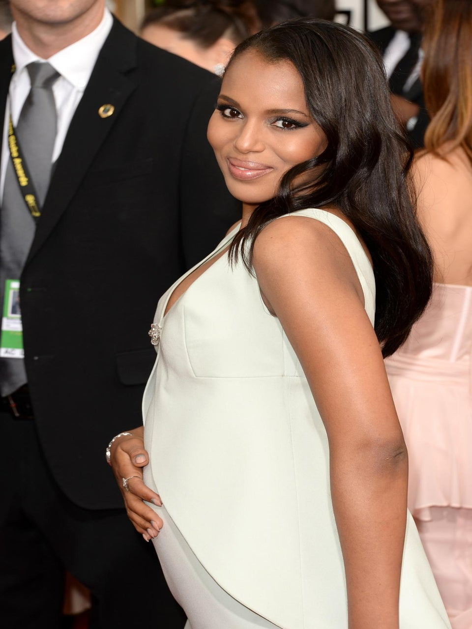 Kerry Washington Debuts Baby Bump at 2014 Golden Globes