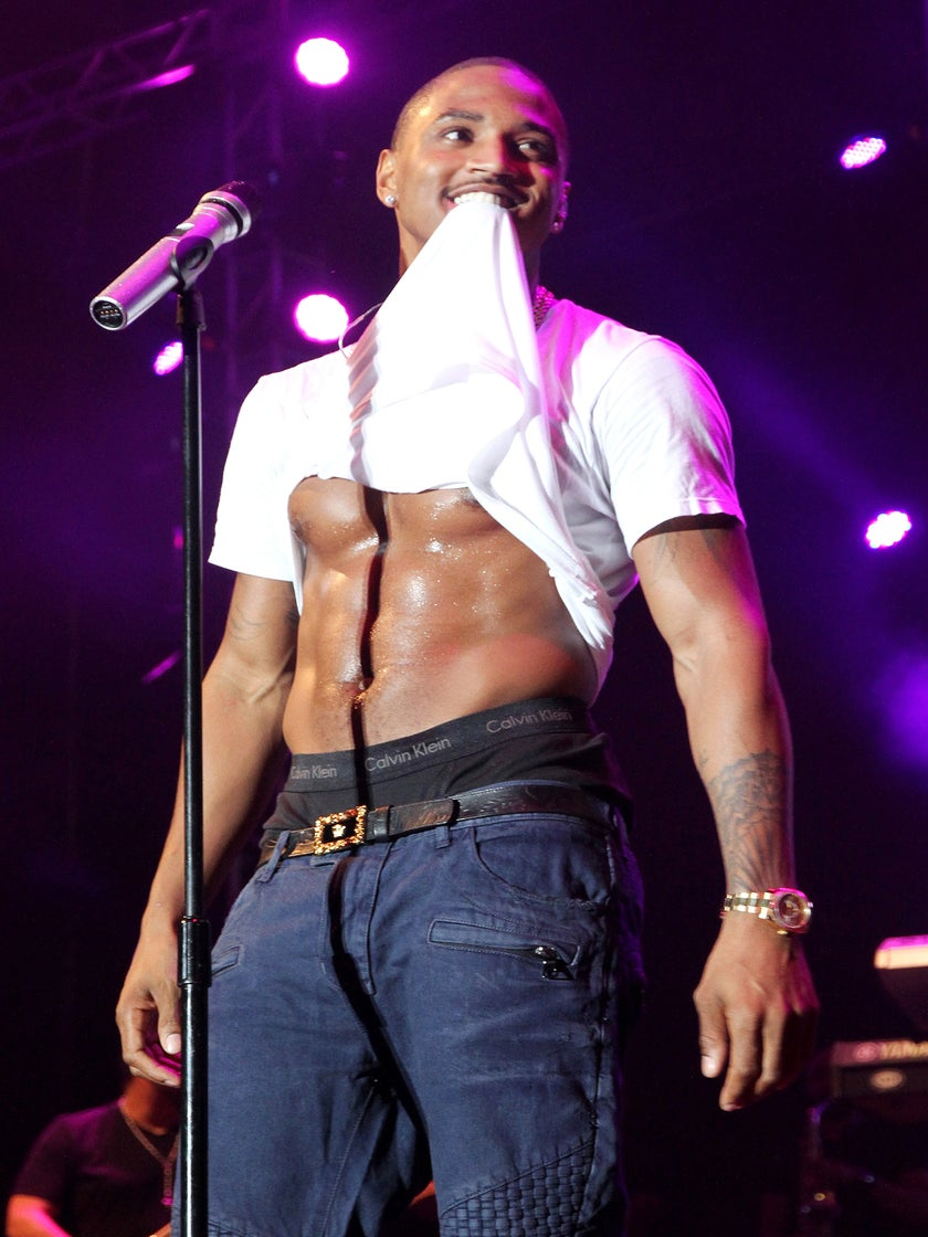 """Trey Songz Sings of """"Foreign"""" Beauty in New Video"""