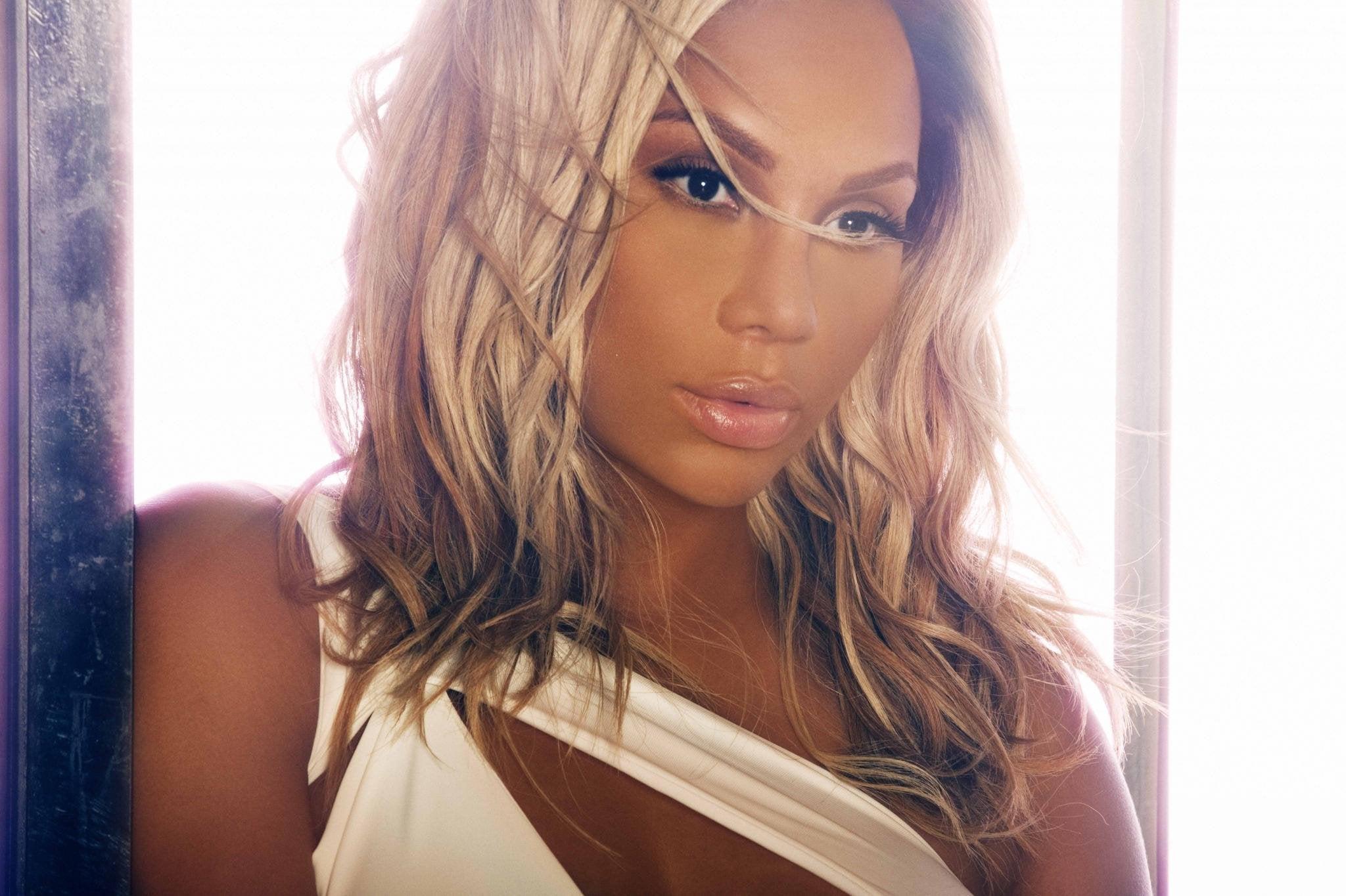 Tamar Braxton, The Roots, Tank, Estelle, Michelle Williams, August ...