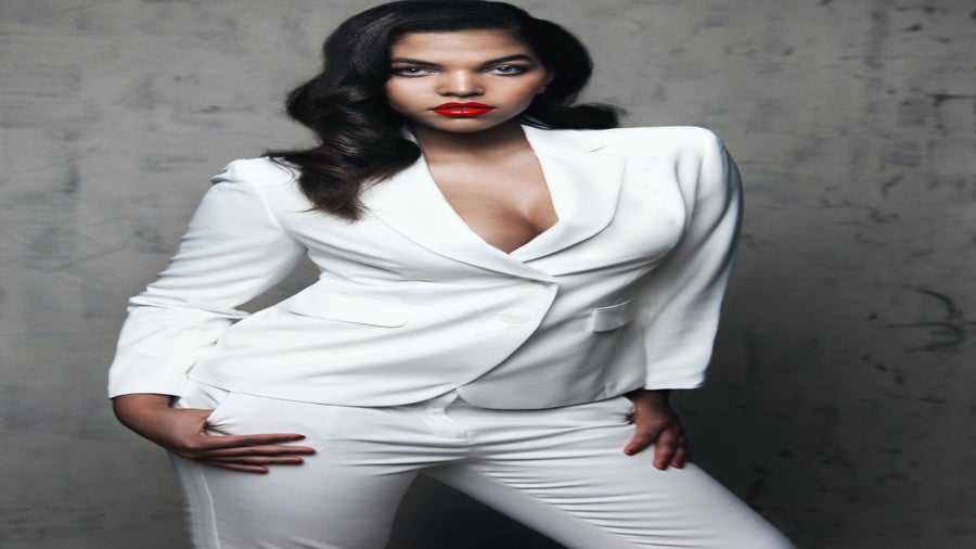 Curvy Model of The Month: Iman McDonnaugh
