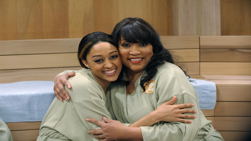 First Look: Jackee Harry and Tia Mowry-Hardrict Reunite on 'Instant Mom'