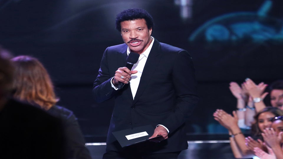 Lionel Richie's Playlist Is the Only Soundtrack You Need This Summer