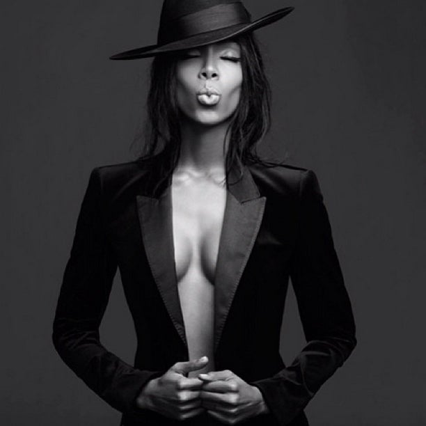Photo Fab: Kelly Rowland Gets Fierce for Fans