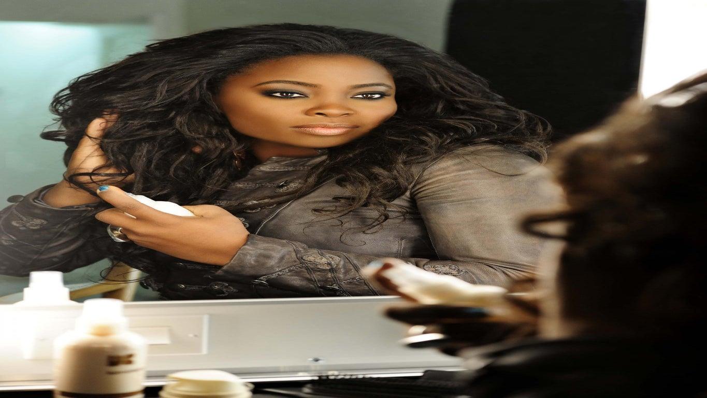 VIDEO: Kim Kimble Gives Macy Gray Big Hair On New 'L.A. Hair' Episode