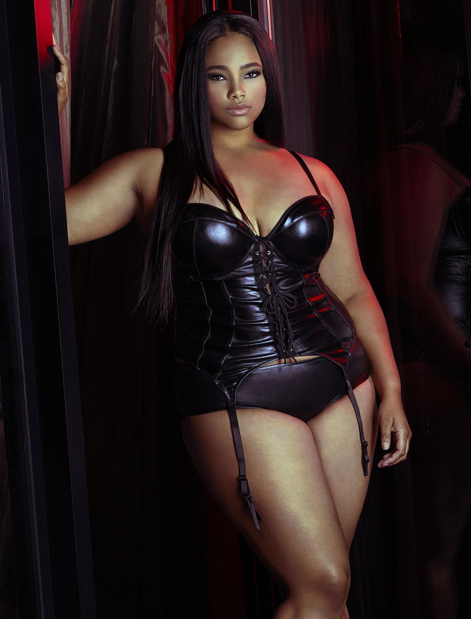 Curvy Model of The Month: Anita Marshall