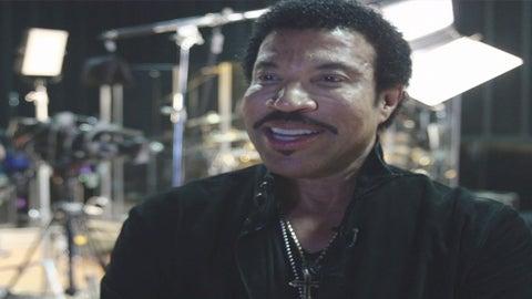 #13: Lionel Richie Loves Fans on Steroids
