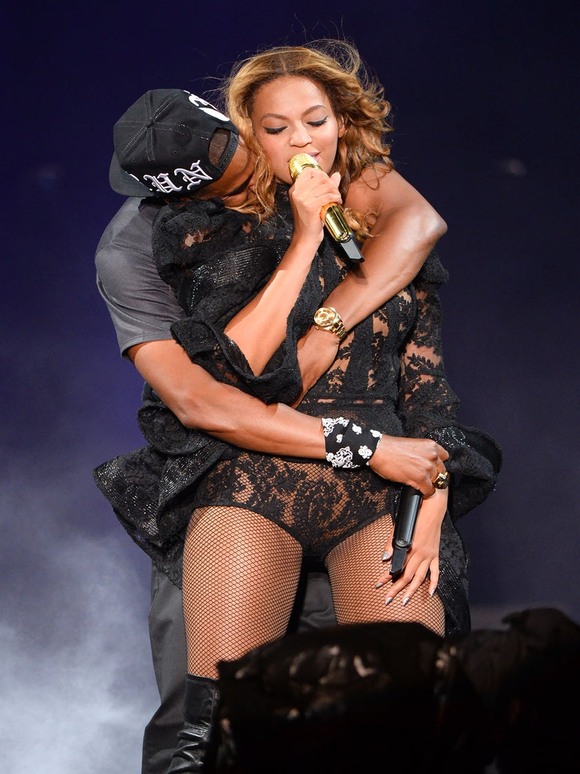 Jay-Z and Beyoncé Pack on PDA for 'On The Run'