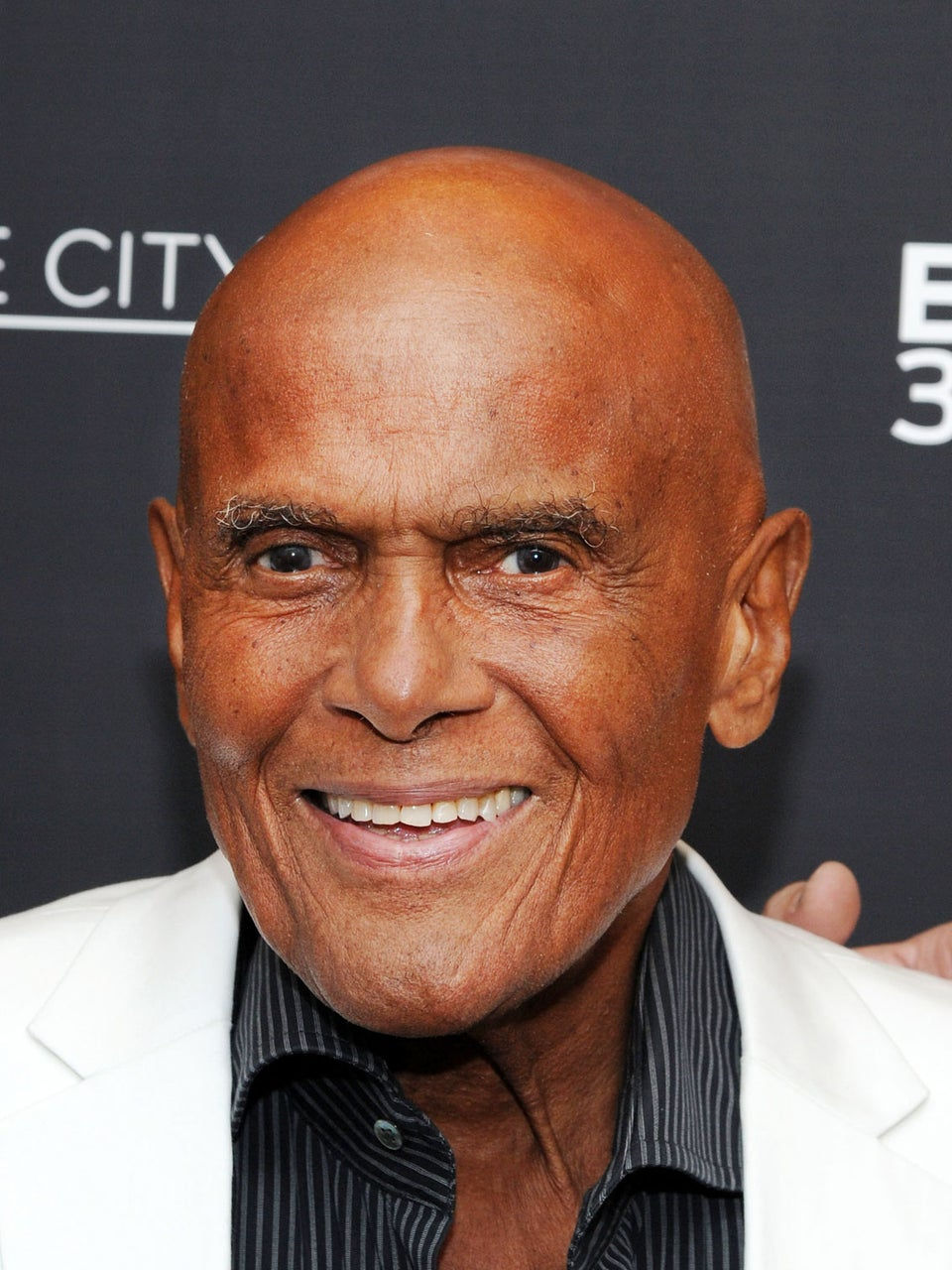 Harry Belafonte Calls Kaepernick Protest 'Noble' and 'Righteous'