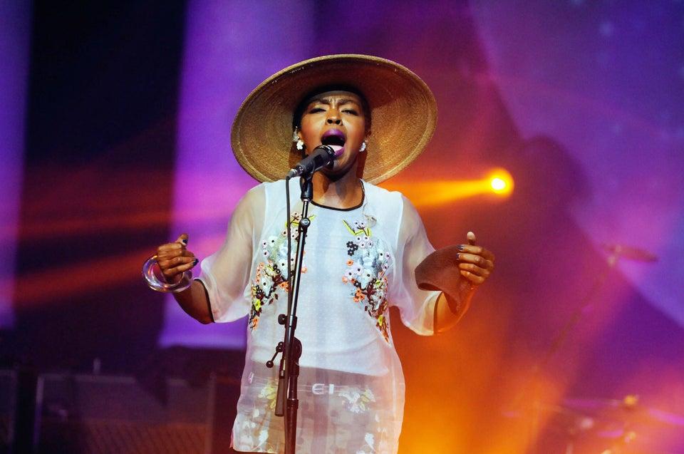 Lauryn Hill Kicks Fan Out of Concert