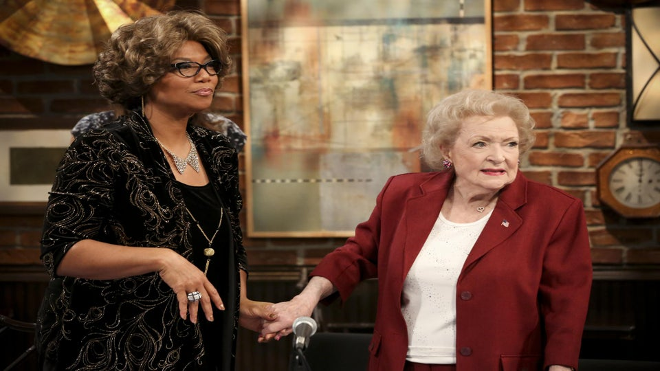 Photo Fab: See An 'Older' Queen Latifah in Her 'Hot in Cleveland' Cameo