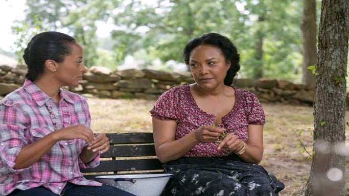 Photo Fab: See Essence Atkins and Lynn Whitfield in 'My Other Mother' TV Movie