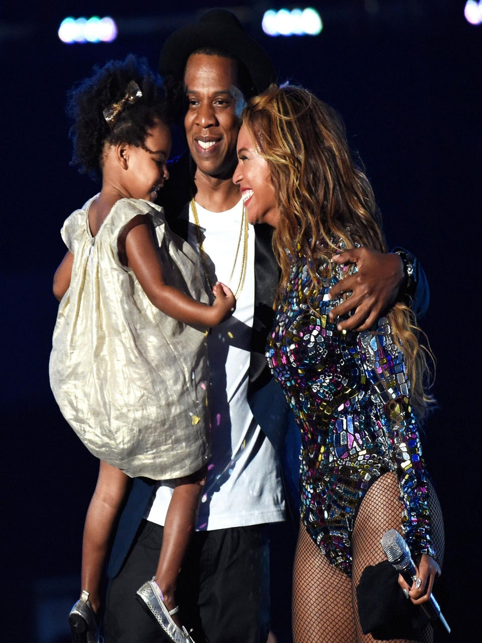 Photo Fab: Beyonce, Blue Ivy and Jay Z Are a United Front at VMAs